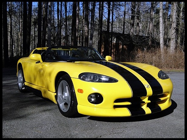 Lot No. F220 1995 Dodge Viper 8.0/400 HP, 6-Speed Yellow