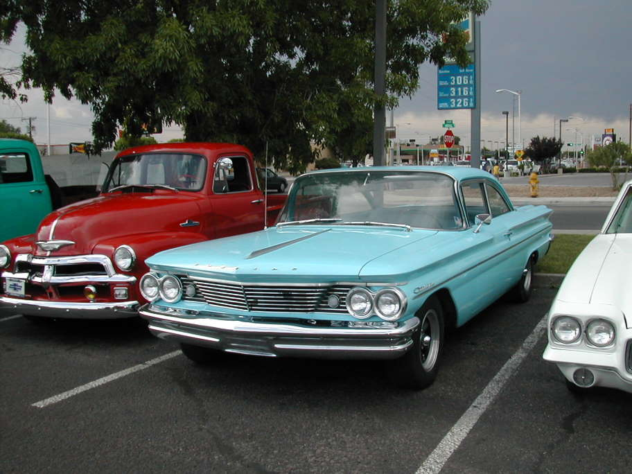 Vintage '60 Catalina with all of the Mods from way back - nice!